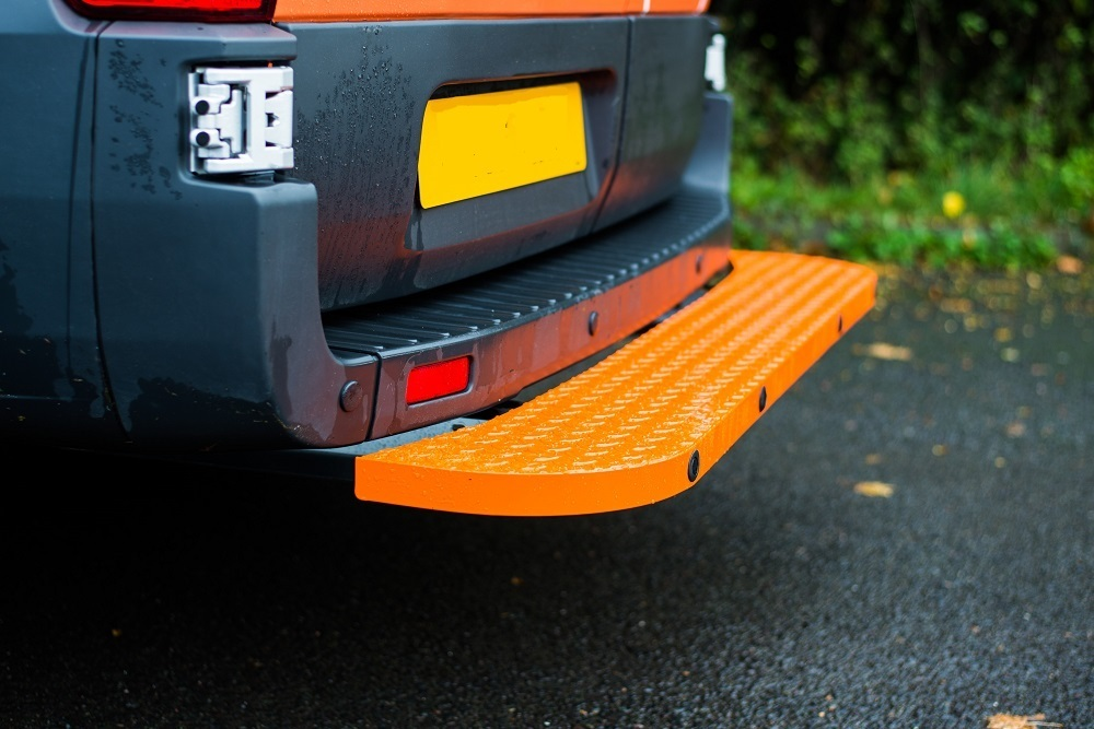 Hubb Assured Full Width Rear Step - Mercedes Sprinter 2006 Onwards